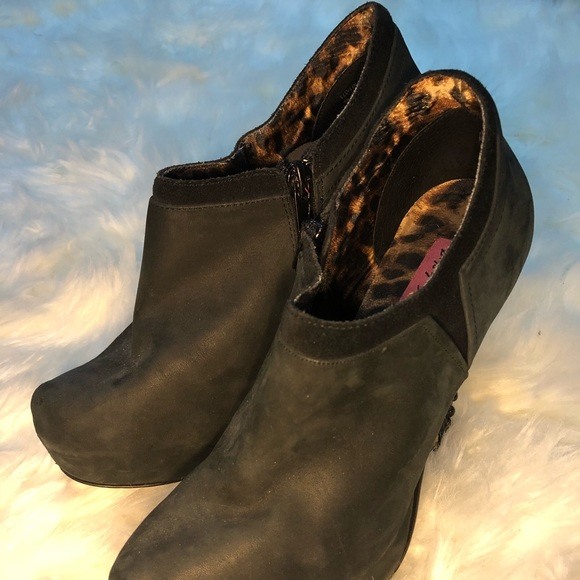 Betsey Johnson Shoes - Betsey Johnson booties